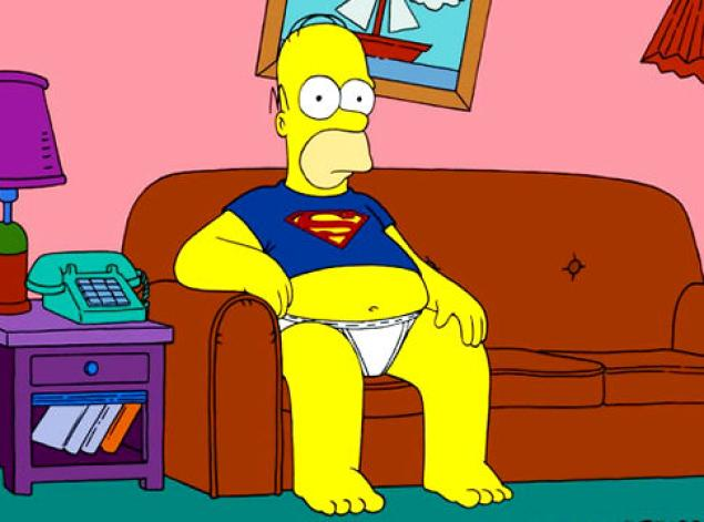 Homer watches TV